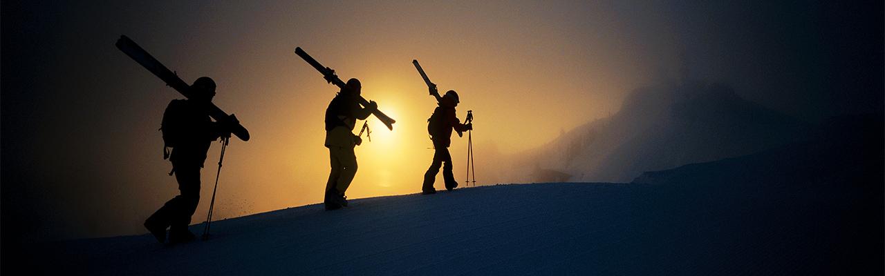 skiers-walking